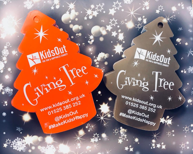 Christmas Giving.Giving Tree Kidsout